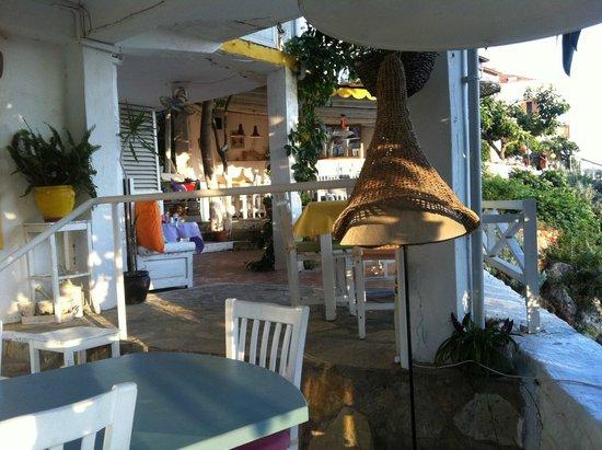 Papillon Bistro: Restaurant