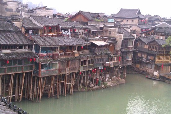 Tuojiang Ancient Street: stilt would building along the river side