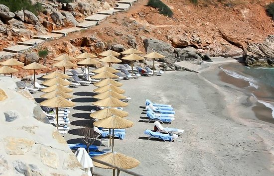 Daios Cove Luxury Resort & Villas : Пляж