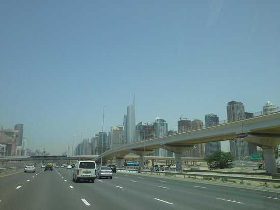 Shangri-La Hotel, Dubai: entrata a Dubai