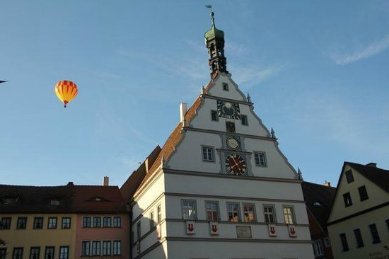 Rothenburg Town Hall (Rathaus): Town square