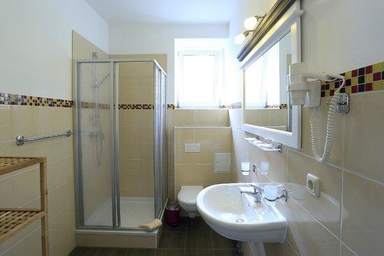 Caravan Zonder Badkamer ~ Wellness Whirlpool  Foto van Landhotel & Brauhaus Prignitzer Hof