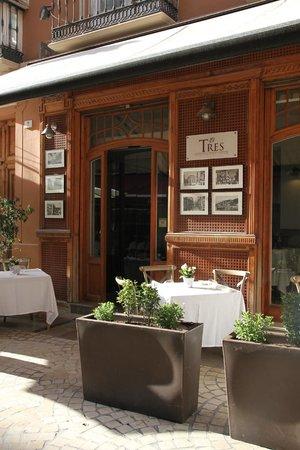 Restaurante El Tres : Terraza exterior