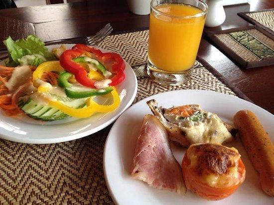 Salana Boutique Hotel: 朝食(ビュッフェ)