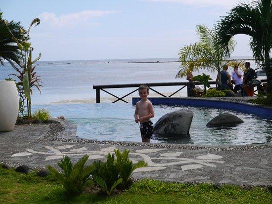 Le Lagoto Resort & Spa : the infinity pool