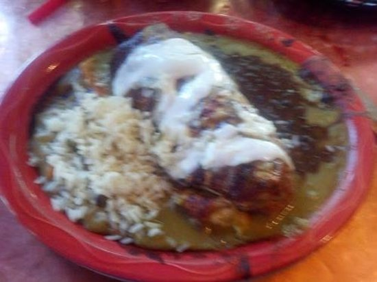 Oscar's Cafe: Pork Chili Verde Burrito