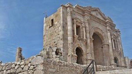 Ruinas de Jerash: Hadrian's Arch