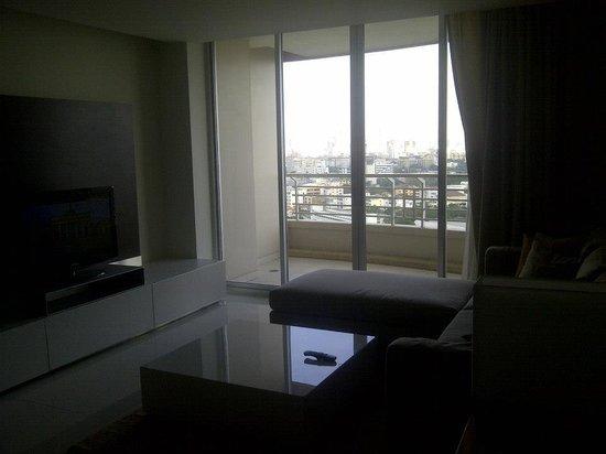 Anantara Sathorn Bangkok Hotel: Seating are of the suite