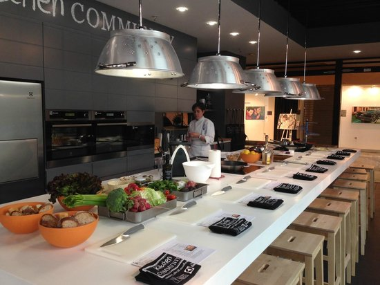 Kitchen community escuela de cocina madrid spain top for Cursos de cocina madrid