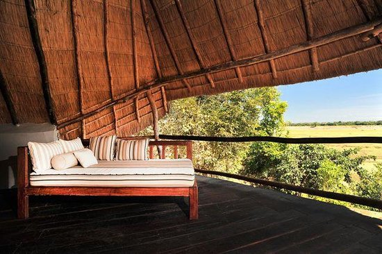 South Luangwa National Park, Sambia: Suite balcony overlooking floodplain