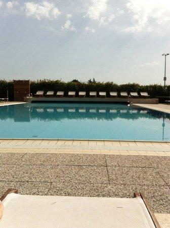 Relais Monaco Country Hotel & Spa: La piscina