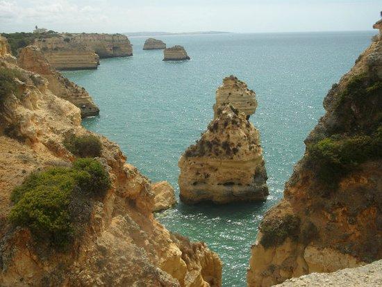 Praia da Marinha: que mas se puede pedir viendo este espectáculo natural