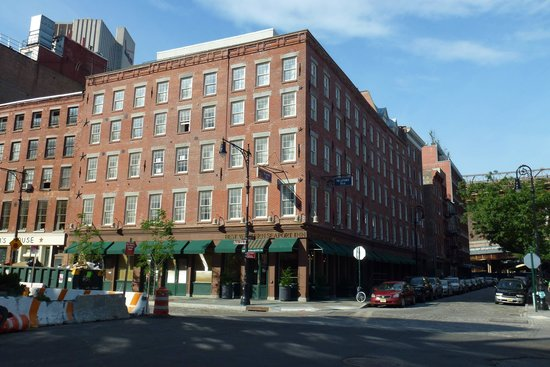 BEST WESTERN PLUS Seaport Inn Downtown: See My Review Dated 3 July 2014