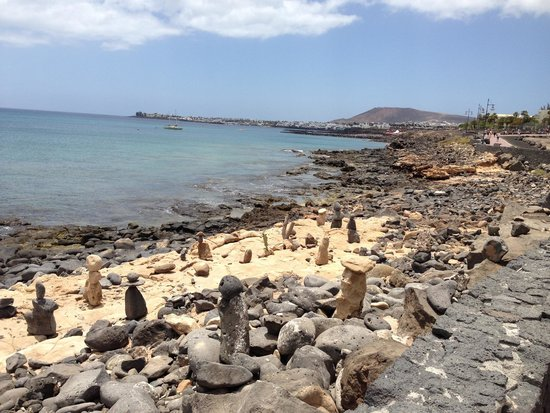Pueblo Marinero: Walking down the front only 15-20 min walk to the shops and restaurants
