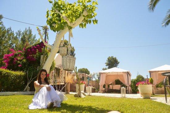 Villa Olga Lounge Hotel: The hotel's garden