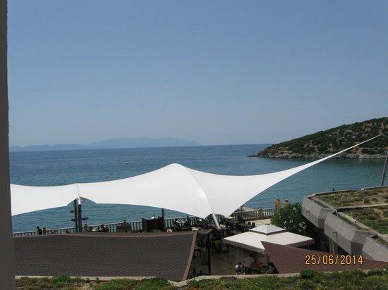 Tusan Beach Resort: widok z okna pokoju