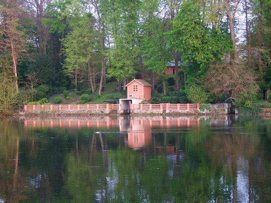 Le Pavillon Bleu : Vue sur l'autre rive