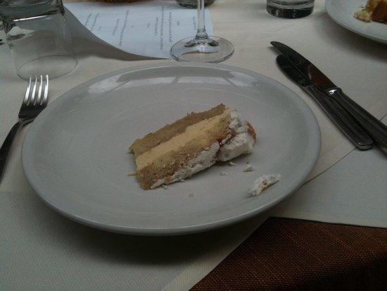 Sporting Hotel Tanca Manna : Pantagruelica porzione di dessert servita ad ogni fine pasto!