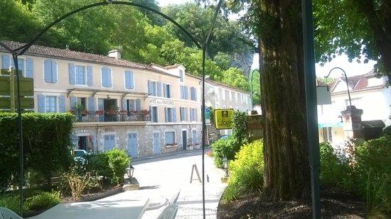 Hôtel La Truite Dorée : village view
