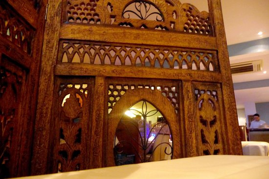 Priyas Palace: Wooden screens for privacy.