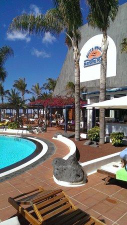 Suite Hotel Fariones Playa: Pool Breakfast area
