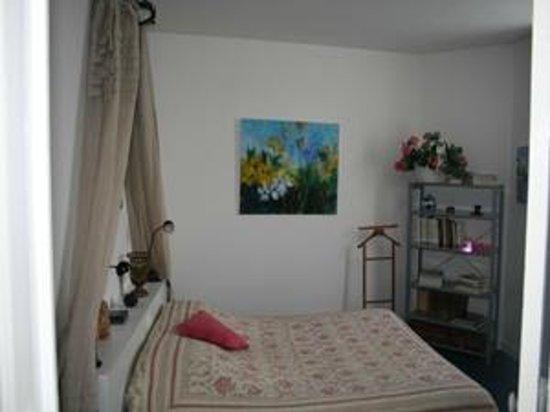 la treille chambres d 39 h tes b b bourges france voir les tarifs 11 avis et 12 photos. Black Bedroom Furniture Sets. Home Design Ideas