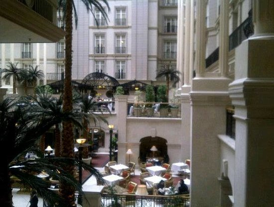 Sunday Champagne Brunch at The Landmark London: Hotel- brunch was served in that area