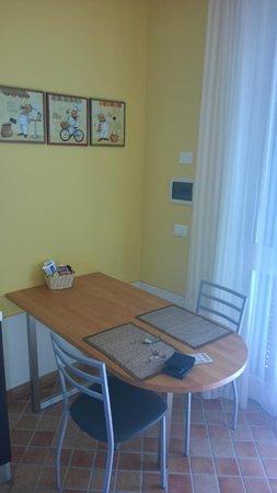 Residence Olivium: Tavolo cucina