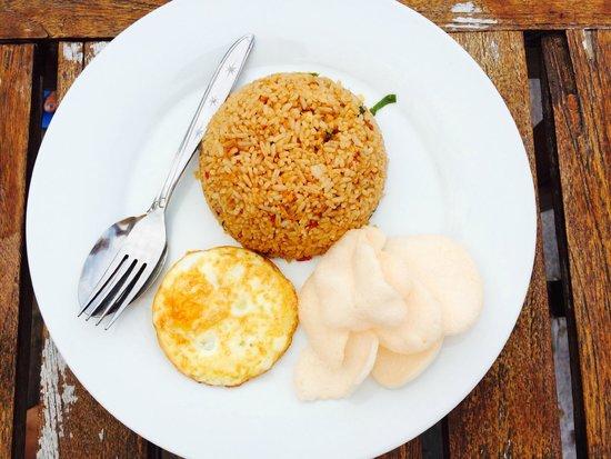 Anda Beach Hotel & Restaurant: Nasi Goreng