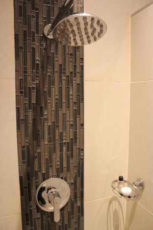 Room 5 Shower - Picture of Nauntons Guest House, Ladysmith - TripAdvisor