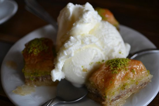 Cafe Safak: Baklava & Ice Cream