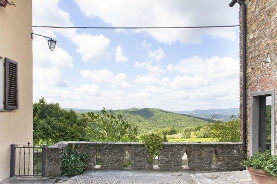 Montelucci Country Resort & Agriturismo di Charme: panorama sulla nostra tenuta