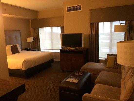 "HYATT house Sterling/Dulles Airport-North: ""king suite"" has kitchenette"