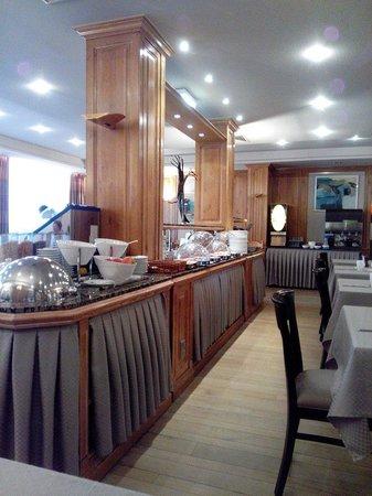 Hotel Pacific : Salle de petit déjeuner