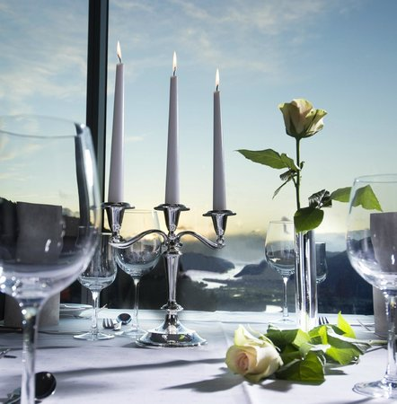 Utsikten Hotell: Restaurant
