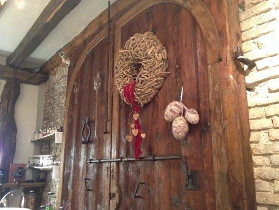 Ristorante enoteca Porca L'Oca s.r.l. : Dettaglio arredamento