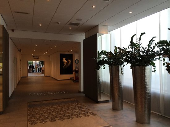 Crowne Plaza Antwerpen: Интерьер