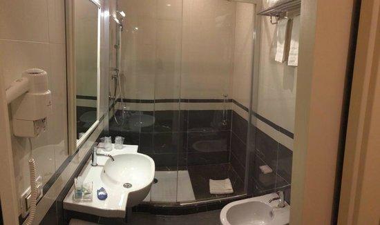 Hotel dei Borgia: Bathroom