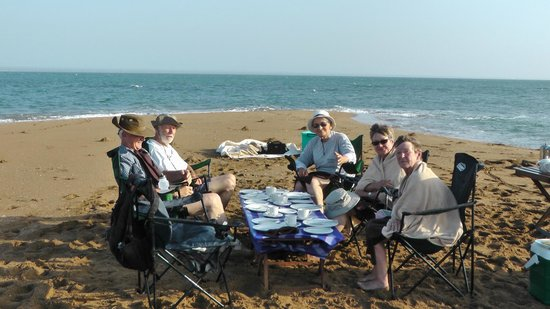 Saadani Safari Lodge: Breakfast with friends on an Atoll in the Indian Ocean