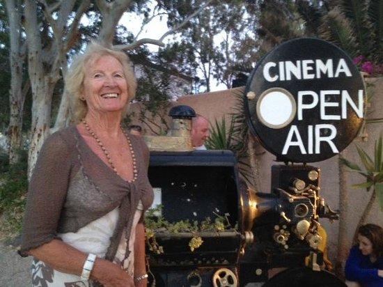 Open Air Cinema Kamari : Nearly showtime