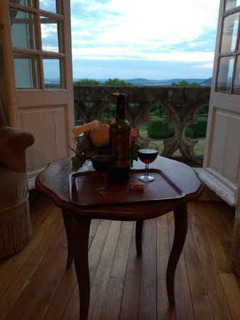 Hattonchatel Chateau : A regal view to end the day