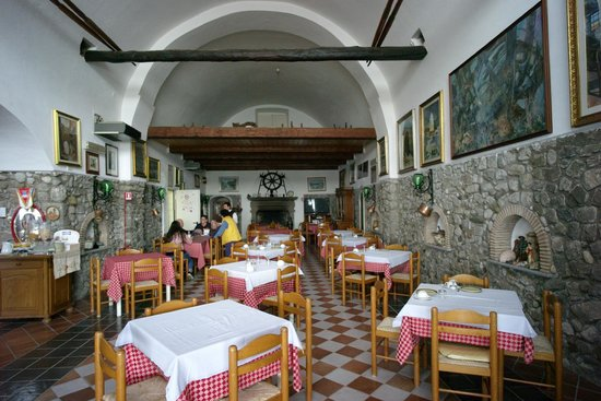 Hotel La Certosa : Main dining room, there is also a covered terrace