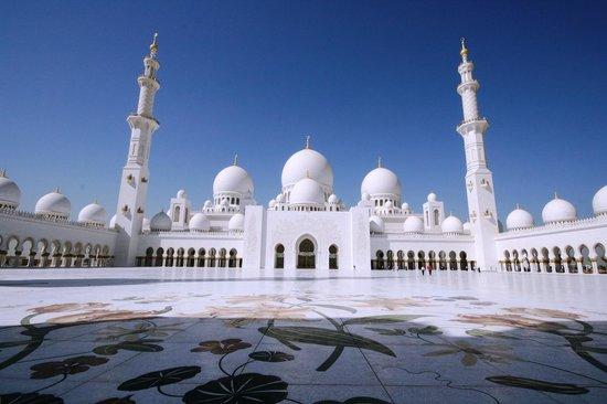 Mosquée Cheikh Zayed : imponente !