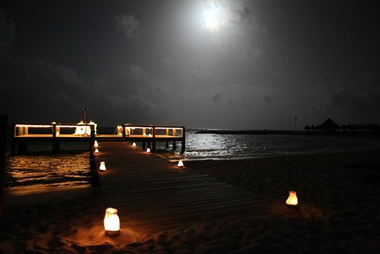 Luxury Bahia Principe Akumal Don Pablo Collection : Moonlight romance at beach area.