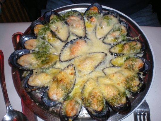 Chez Leon: cozze al burro di escargot