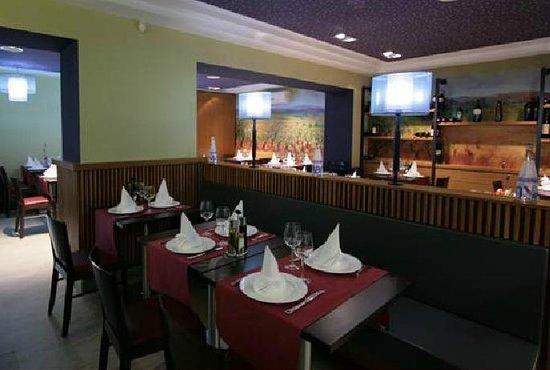 Les Vinyes Restaurant : Comedor - Zona derecha