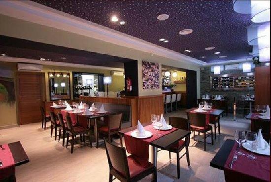Les Vinyes Restaurant