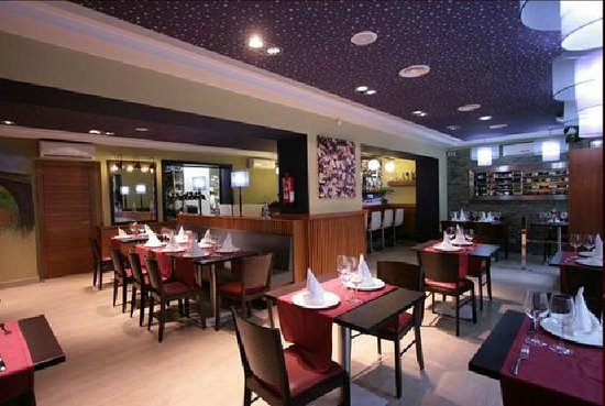 Les Vinyes Restaurant : Comedor - Vista general