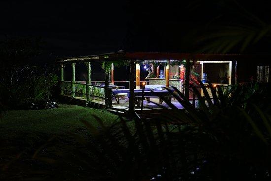 Takalana Bay Resort: gegessen wird im Freien