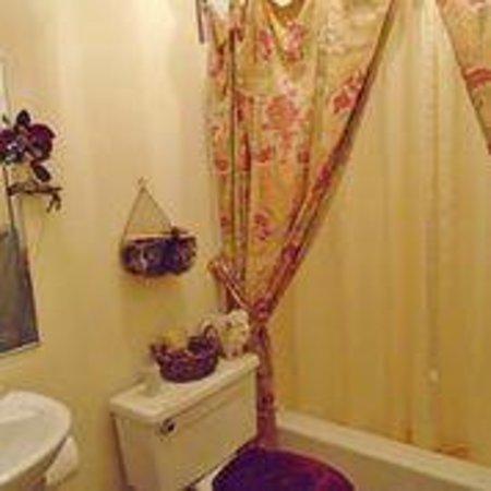 B&B l'Abat-Jour: Private bathroom / Salle de bain privée